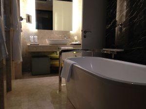 ציפוי אמבטיה אקרילית