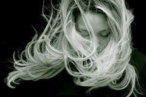 האם יש הליך השתלת שיער לנשים?
