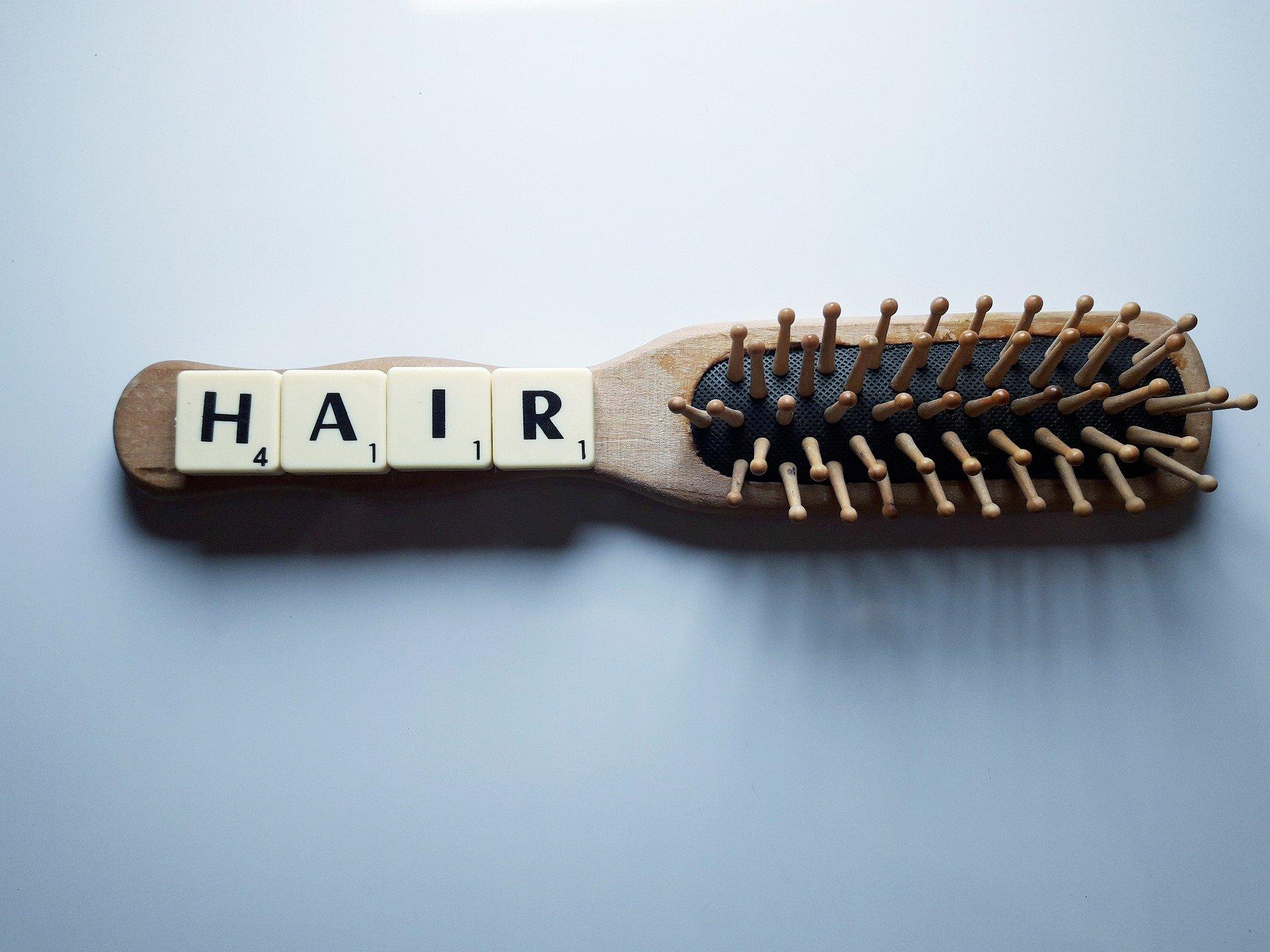 מה גורם לנשירת שיער
