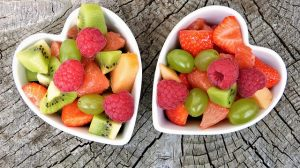 סלסלת פירות ליולדת - מתנה מפנקת ומרעננת
